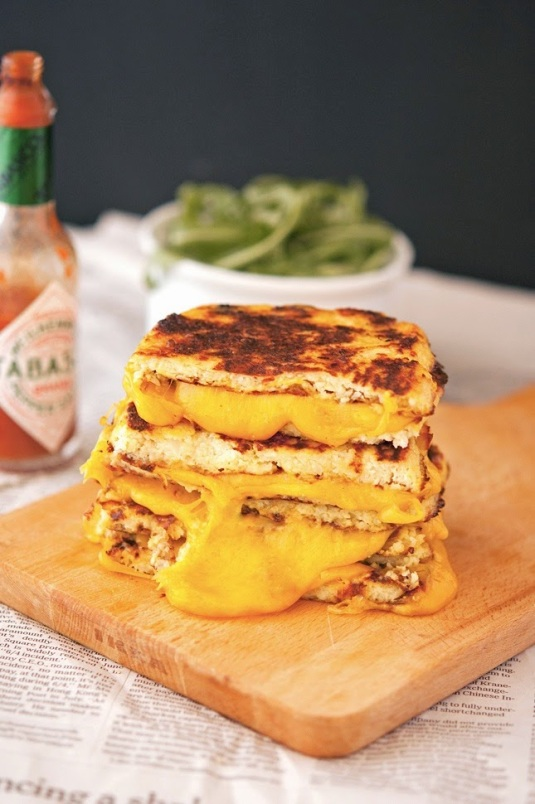 Cauli-Crust-Grilled-Cheese-(3)
